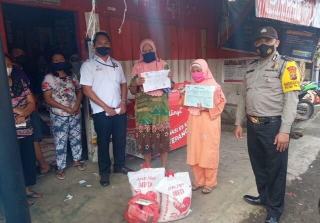 Kapolsek Padang Hulu Awasi Pembagian Sembako